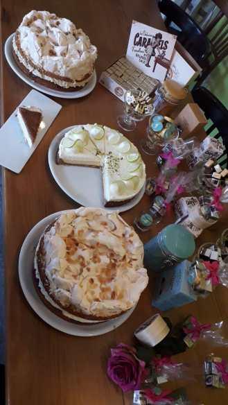 Kuchen und Pralinen frei Haus